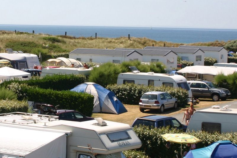 Emplacements camping normandie camping le grand large for Camping normandie piscine couverte bord mer