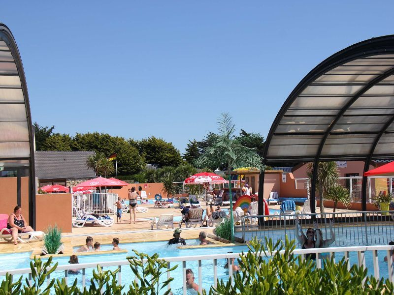 Camping normandie espace aquatique camping le grand for Camping piscine couverte