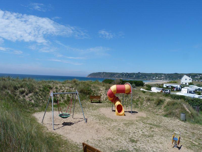 Camping normandie 5 toiles bord de mer dans la manche for Camping normandie piscine couverte bord mer