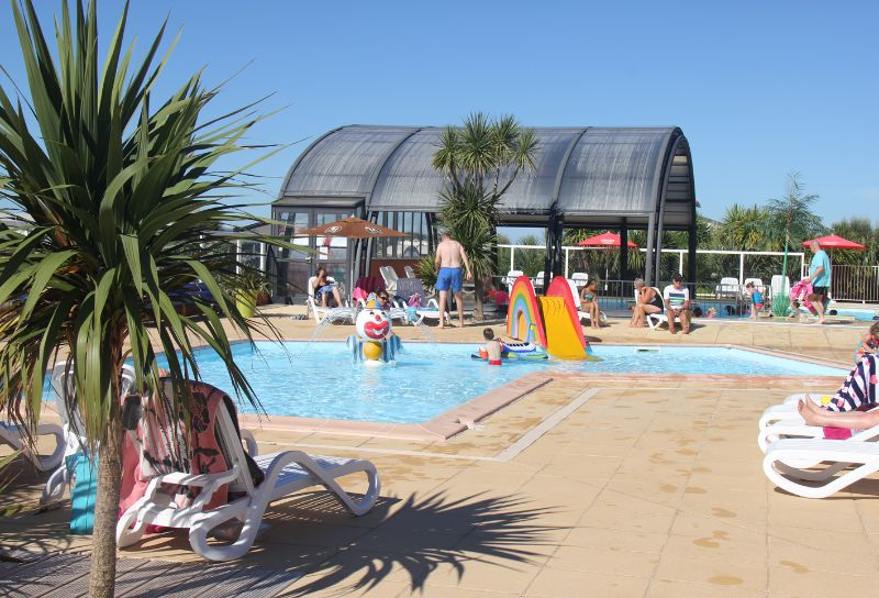 Camping normandie camping le grand large manche for Camping avec piscine normandie