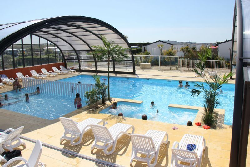 Camping normandie piscine couverte camping le grand for Les pieux piscine
