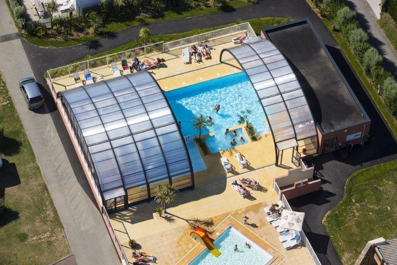 camping normandie piscine couverte le grand large manche. Black Bedroom Furniture Sets. Home Design Ideas