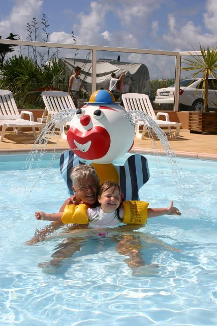 Camping normandie piscine camping le grand large for Camping normandie bord de mer avec piscine
