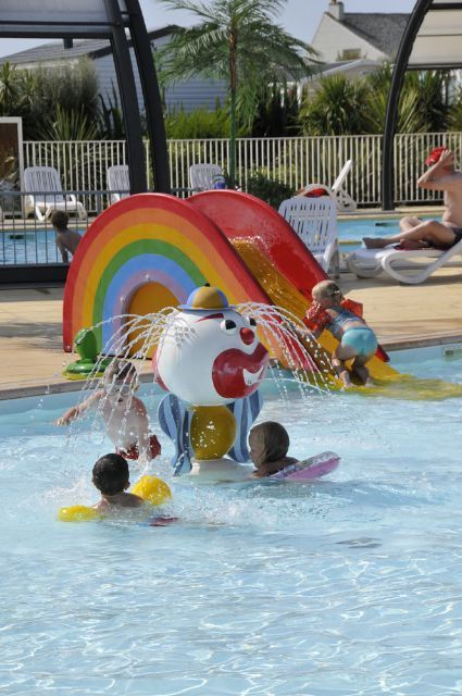 Camping normandie piscine camping le grand large for Camping normandie piscine couverte