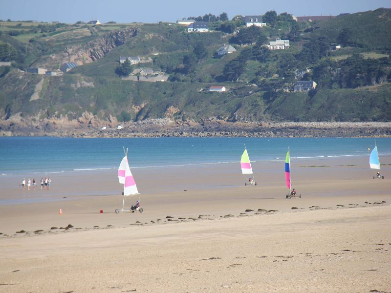 Camping normandie bord de mer camping le grand large for Camping normandie piscine couverte bord mer