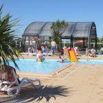 Camping Normandie, Les jeux enfants dans la piscine