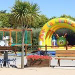 Camping Normandie, Structure et trampoline